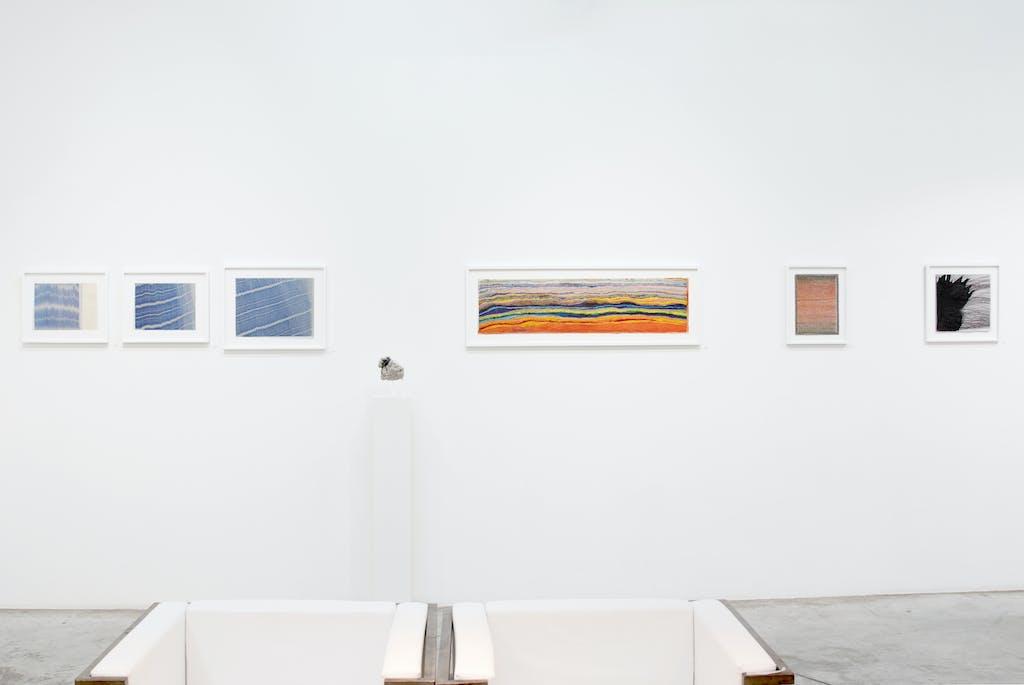 vue de l'exposition * in abstracto #2 *, christian berst art brut, paris, 2020 - © © christian berst art brut, christian berst — art brut
