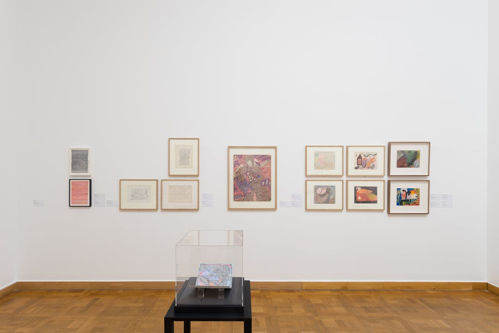 exhibition view of *flying high, künstlerinnen der art brut*, curators: ingried brugger, hannah rieger, veronika rudorfer, kunstforum, vienna, austria, 2019. - © kunstforum, photo: nilo klotz, christian berst — art brut