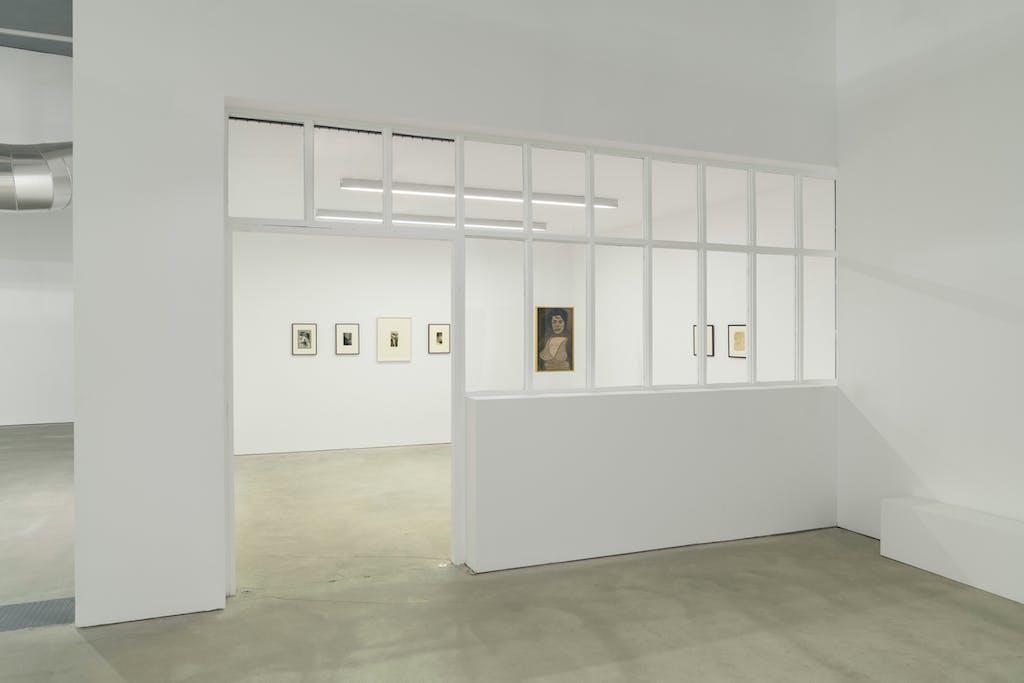 vue de l'exposition *extravaganza*,  commissaire : antonia gaeta, centro de arte oliva, joão de madeira, portugal, 2019. - © centro de arte oliva, christian berst — art brut