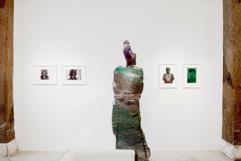 Vue de l'exposition *José Manuel Egea : Lycanthropos*, christian berst art brut, Paris, 2016 - © christian berst — art brut