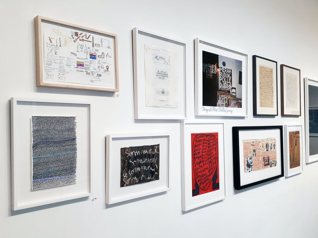 Exhibition view of *Do the write thing #2 : read between the lines*, christian berst art brut, Paris, 2018. - © christian berst art brut, christian berst — art brut