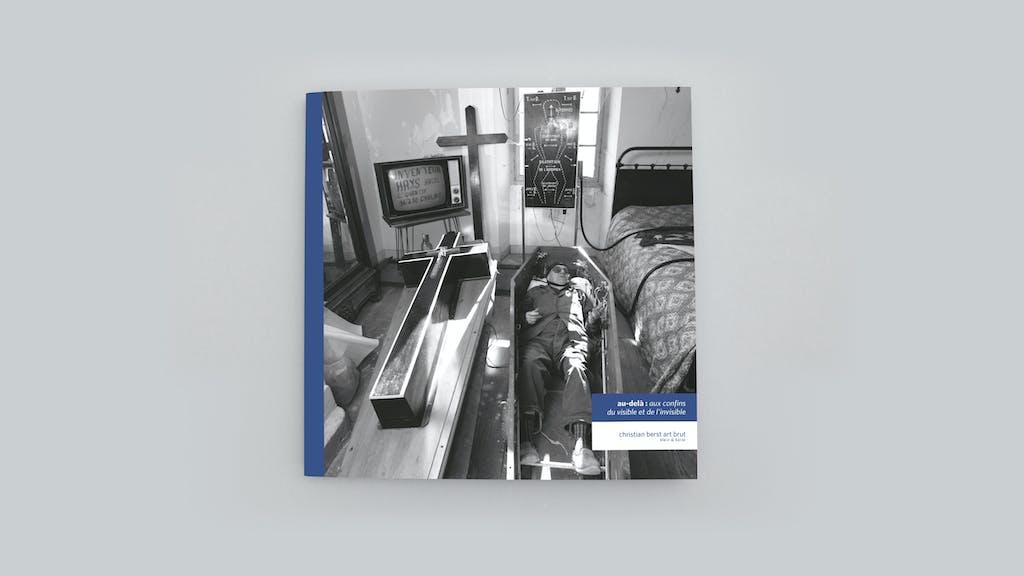 Catalogue publié à l'occasion de l'exposition *au delà : aux confins du visible et de l'invisible*, christian berst art brut, Paris, 2019. - © christian berst — art brut